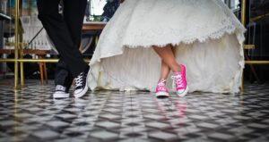 Symbol moderní svatby - conversky